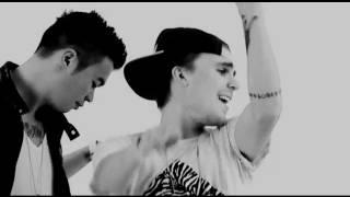 """Musikvideo til PULS - """"Noget Af Det"""". Sidste del af videoen er fra """"Noget Af Det pt. 2 featuring Joey Moe"""" Originalen kan købes her:..."""