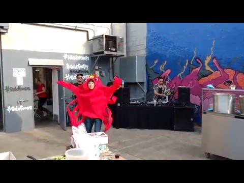 Man In Crab Costume Dances To Billie Jean