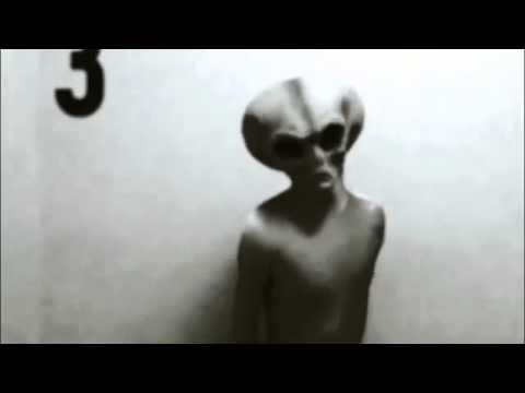 alieno sottoposto a test nella base militare g13