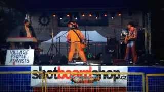 Video The Atavists - Leave Me Alone live on Kanibal Karneval 2015 lo-f