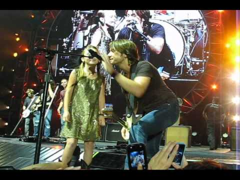 Keith Urban young girl STEALS show at Tulsa, OK concert 8/18/2011