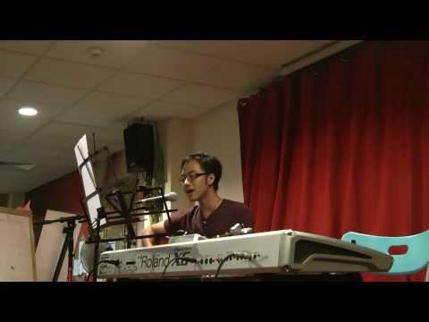Performance @ Munchie Monkey - 因为爱 by DJ Lee