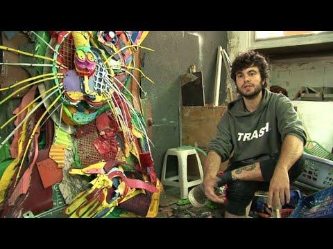 العرب اليوم - شاهد: فنان برتغالي يُحوّل النفايات إلى أعمال فنية