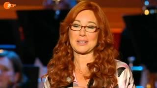 Tori Amos receives ECHO Klassik Award 2012
