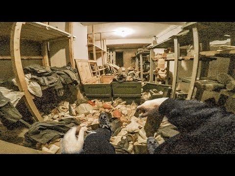 男子發現廢棄工廠地下有詭異隧道,好奇推開小鐵門...比末日電影更狂啊!