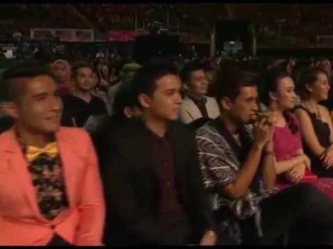 era - Anugerah MeleTOP Era 2014 tayangan serentak di Astro Ria & Maya HD jam 9 malam, 8 Februari 2014. Langgan YouTube Astro Gempak, http://bit.ly/ytgempak Senarai...