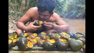 Video Survival Technique Find and cook snail in forest - Collect Snail Cooking For Food Eating delicious MP3, 3GP, MP4, WEBM, AVI, FLV Januari 2019