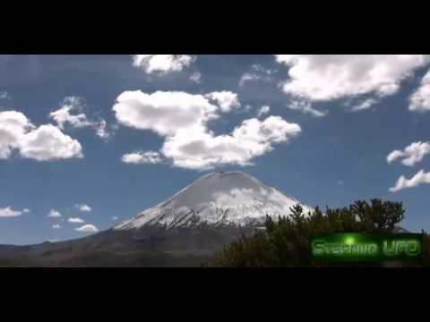 ufo fuoriescono dal vulcano parinacota