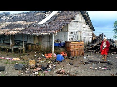 Φονικό τσουνάμι χτύπησε την Ινδονησία – Δεκάδες νεκροί …