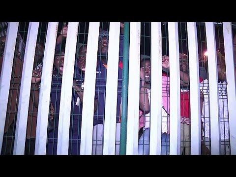 Θέουτα: Συνεχίζουν να περνούν σε ευρωπαϊκό έδαφος μετανάστες από την Αφρική