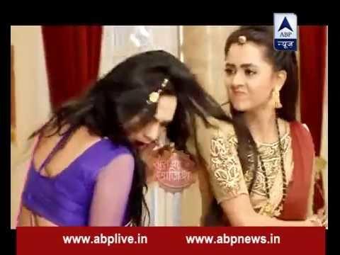 Video Ragini slaps bhabhi for taking her too lightly download in MP3, 3GP, MP4, WEBM, AVI, FLV January 2017