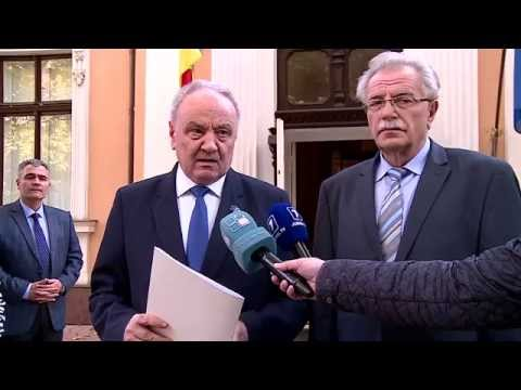 Moldovan president signs decrees on government's resignation, appointing acting premier