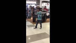 """Video Beyonce """"Listen"""" cover - kid in Philippines shopping mall MP3, 3GP, MP4, WEBM, AVI, FLV Maret 2018"""