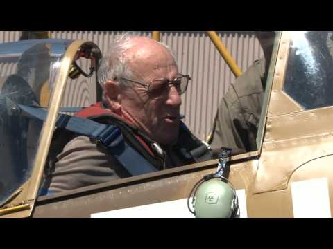 Video Spitfire veteran flies again. download in MP3, 3GP, MP4, WEBM, AVI, FLV January 2017