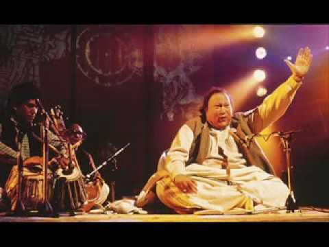 qwali - Another piece of Master Singing by Nusrat fateh Ali Khan. Beautiful Poetry and singing.