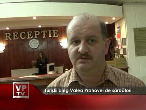 Turiştii aleg Valea Prahovei de sărbători
