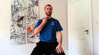 Dette er en strækøvelse som hjælper til at adressere spændinger fortil i nakke/hals. Mange af os, som tilbringer meget tid i...