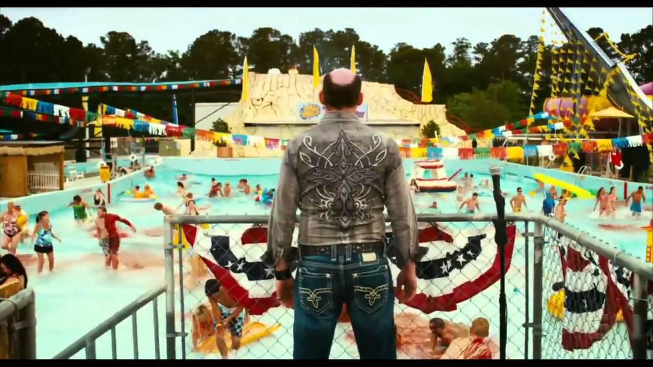 Red Band Movie Trailer:  Piranha 3DD (2012)