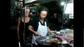 Bangkok Living&Travel - Cooking Lesson Pad Thai At Night