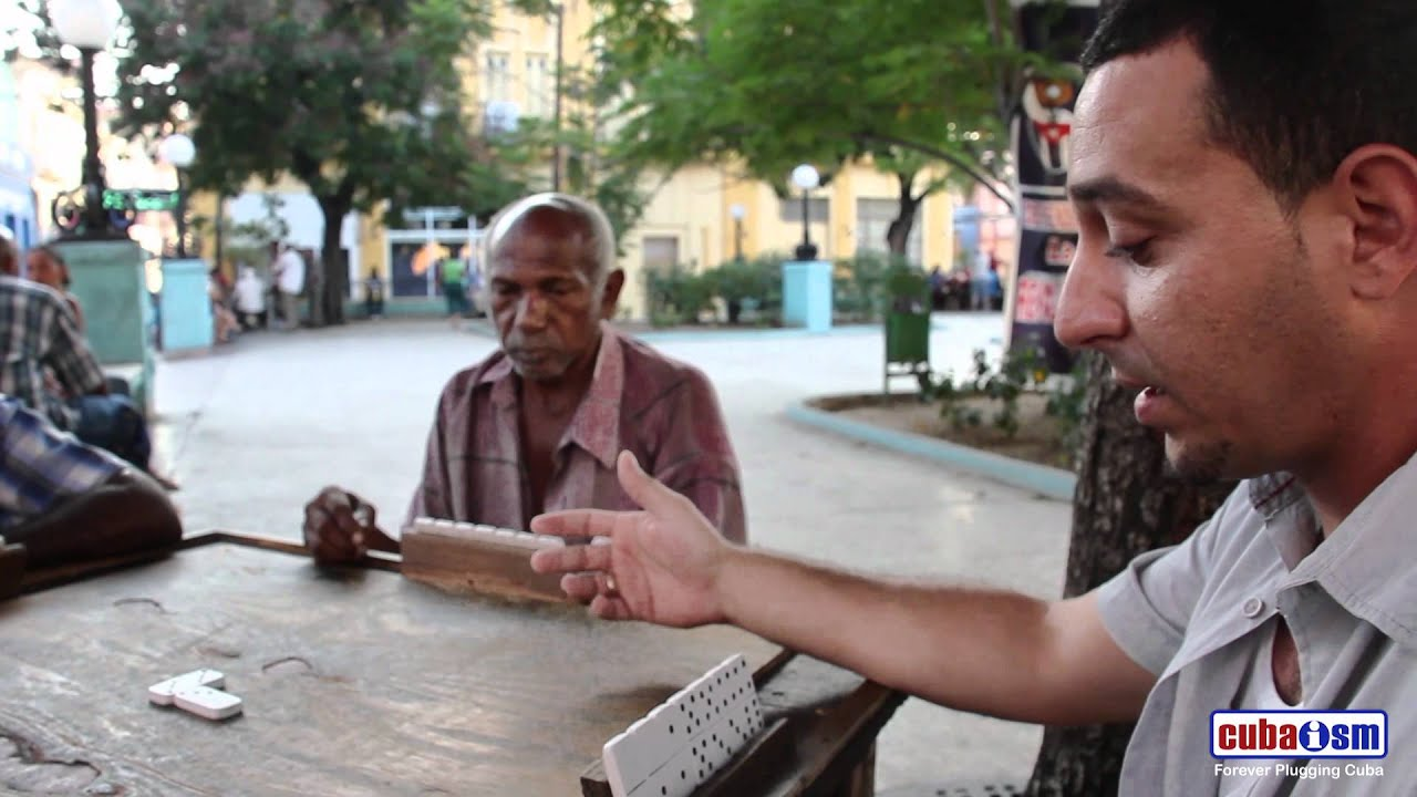 Double 6 Dominoes in Cuba - 044v01