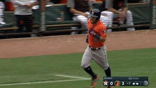 HOU@BAL: Altuve records four hits, three-run homer