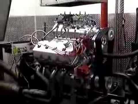 Blown Hemi produces more than 1100 horsepower on the dyno