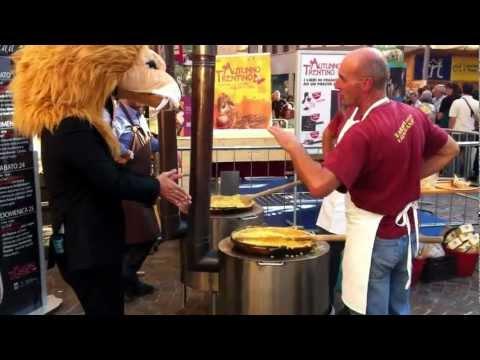 Preparazione polenta con Farina della Valsugana