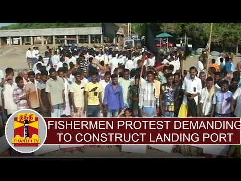 Fishermen-Protest-With-Black-Flag-Demanding-to-Construct-Landing-Port-at-Nagai