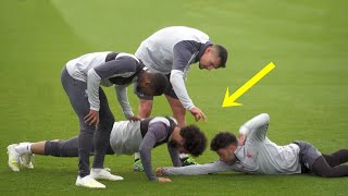 Video Funny Moments in Training ● Salah, Mbappe, Ronaldo MP3, 3GP, MP4, WEBM, AVI, FLV Juli 2019