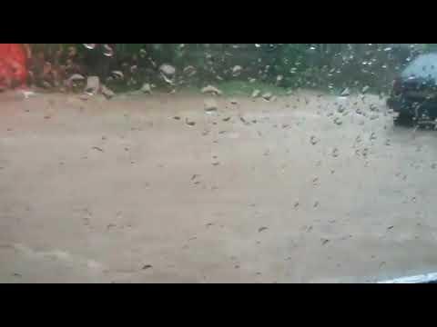 Flood on streets of Pakistan from mountais (видео)