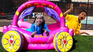 Video Wendy Pretend Play with Princess Carriage Inflatable Kids Toy MP3, 3GP, MP4, WEBM, AVI, FLV Juli 2019
