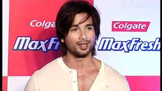 Genelia & Shahid at Colgate Maxfresh party