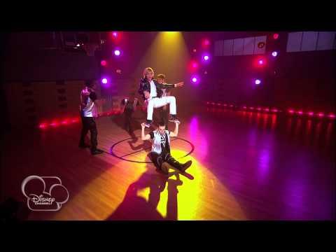 Tekst piosenki Austin & Ally - Living in the Moment po polsku