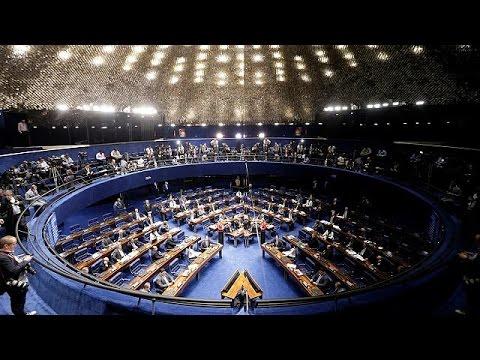 Βραζιλία: Αντίστροφη μέτρηση για το πολιτικό μέλλον της Ντίλμα Ρούσεφ