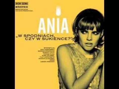 Tekst piosenki Ania Dąbrowska - Zmieniaj mnie gdy zechcesz po polsku