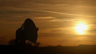 Video Space Debris Danger - Stargazing LIVE - Series 3 Episode 3 Preview - BBC Two MP3, 3GP, MP4, WEBM, AVI, FLV Juli 2018