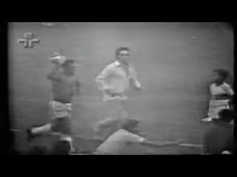 Así ocurrió: En 1971 Pelé se despide de selección brasileña
