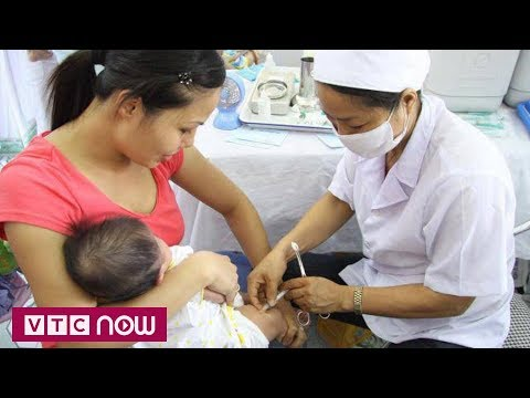 Tiêm vắc xin sởi - Rubella do Việt Nam sản xuất | VTC1 - Thời lượng: 117 giây.