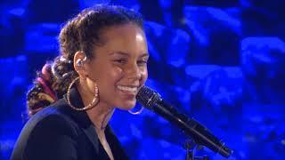 Alicia Keys - Speech / Feelin' It - Jay Z Tribute