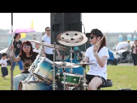 Hot girl Xứ Đài Trần Mạn Thanh - Sexy Love - Chơi trống siêu đỉnh