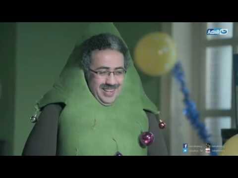 أحمد أمين يوزع هدايا عيد الميلاد