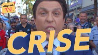 """Em tempo de crise, dinheiro na mão não é vendaval. Silvio Santos aperta o bolso e faz com os populares o """"Show da Inflação""""."""