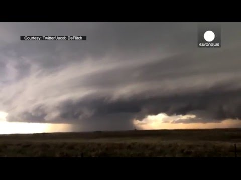 Several giant tornadoes touch down in Colorado