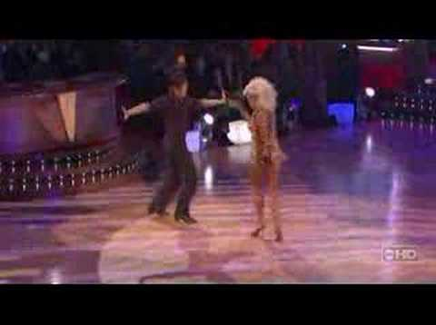 Apolo Ohno - Apolo and Julianne Hough perform the Samba on DWtS. Includes the rehearsal footage, judges comments, and backstage interview.