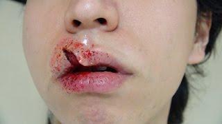 Video 口裂けメイク方法(化粧)Slit Mouth Makeup Tutorial MP3, 3GP, MP4, WEBM, AVI, FLV Agustus 2018