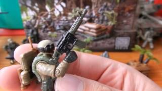 Our Review of the Call of Duty Jungle Troopers Pack. Model number: 06875 Approx 147 Pieces Box contents: 5 x Figures 1 x Display Base 1 x Care Package Detail...
