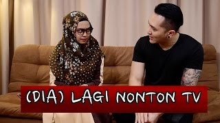 Download Video PARANORMAL EXPERIENCE - DIA LAGI NONTON TV w/ DEMIAN MP3 3GP MP4