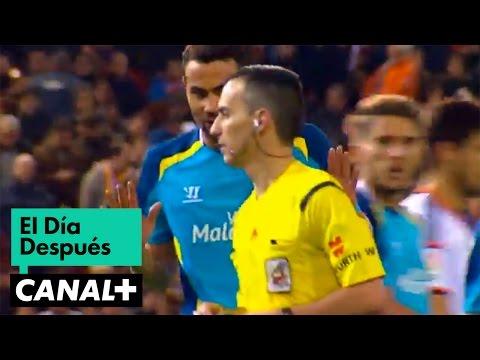 Sevilla - Tres penaltis en menos de 25 minutos, mucho trabajo para el árbitro en el Valencia – Sevilla, que finalmente se saldó con la victoria de los valencianos 3-1. Diego Alves sonríe porque,...