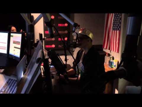 Daddy Yankee visits Mega 94.9 FM Miami (Part 1)