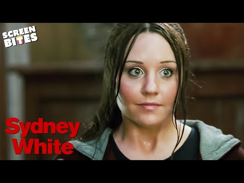 Sydney White: Sydney (Amanda Bynes) meets her new socially challenged room-mates